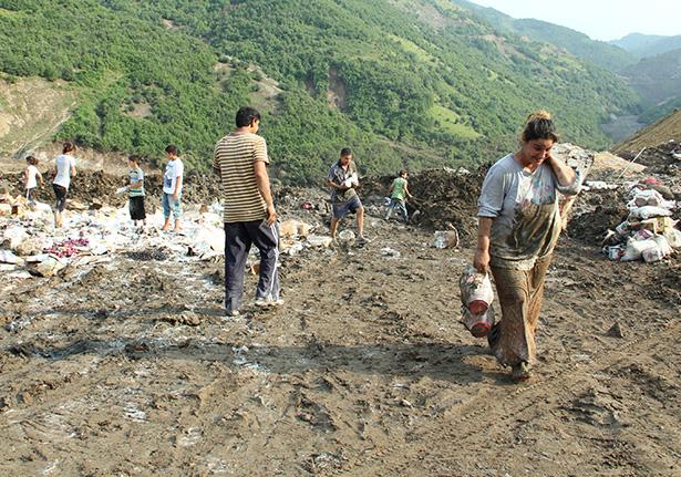 Selden zarar gören gıdalar çöplükte yağmalandı galerisi resim 6