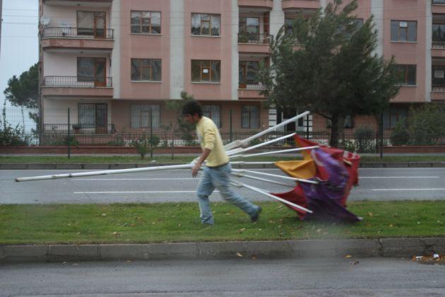 Samsun rüzgar ve elektrik kesintisi ile uyandı! galerisi resim 4