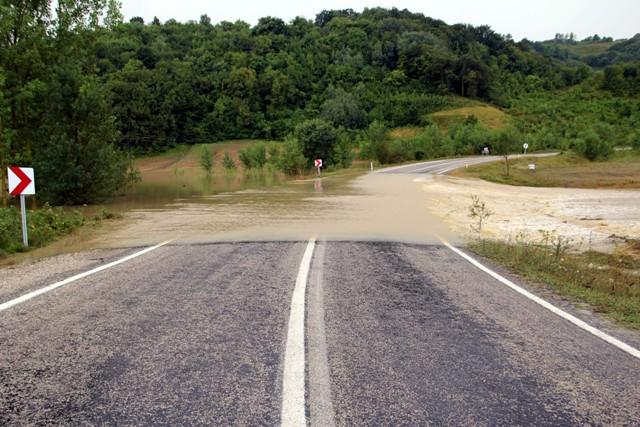 Sinopta Aşırı yağış hayatı durdurdu! galerisi resim 20