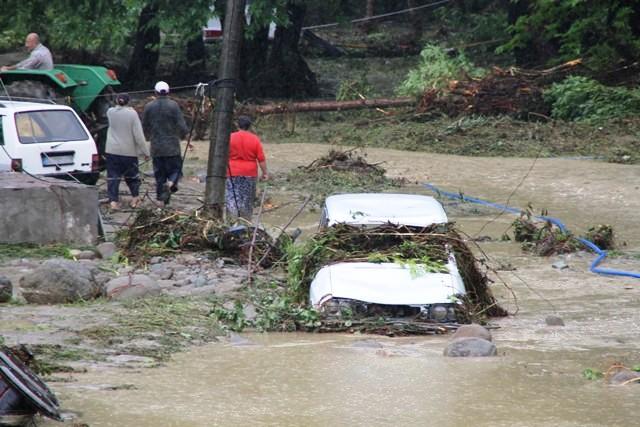 Sinopta Aşırı yağış hayatı durdurdu! galerisi resim 6