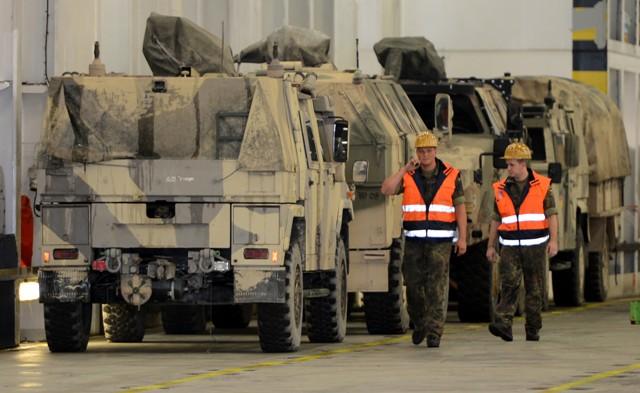 Almanyanın Afganistandan askeri malzeme sevkiyatı galerisi resim 18