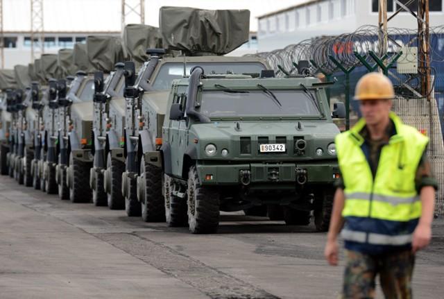 Almanyanın Afganistandan askeri malzeme sevkiyatı galerisi resim 24