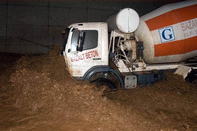 Trabzonda sel felaketi galerisi resim 4