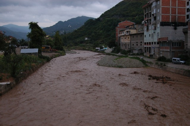 Trabzonda sel felaketi galerisi resim 7