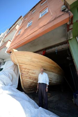 Son balıkçı teknesini torununa yapıyor galerisi resim 3