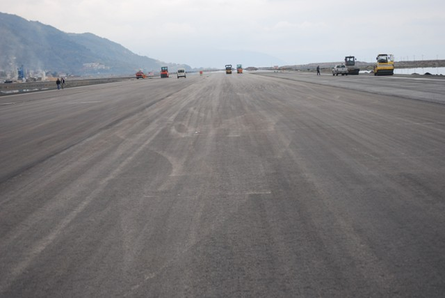 Deniz üzerine kurulan havalimanında sona doğru galerisi resim 7