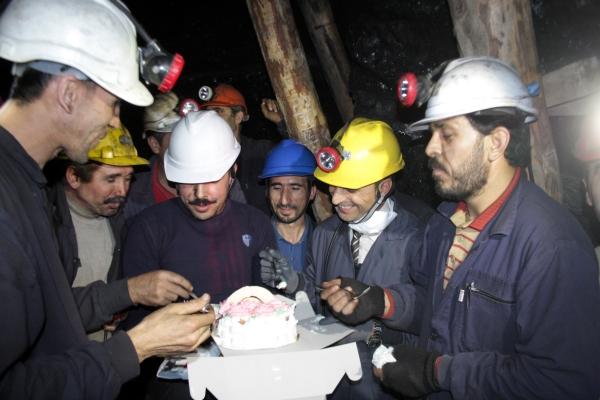 Yeni yıla maden ocağında çalışarak girdiler galerisi resim 14