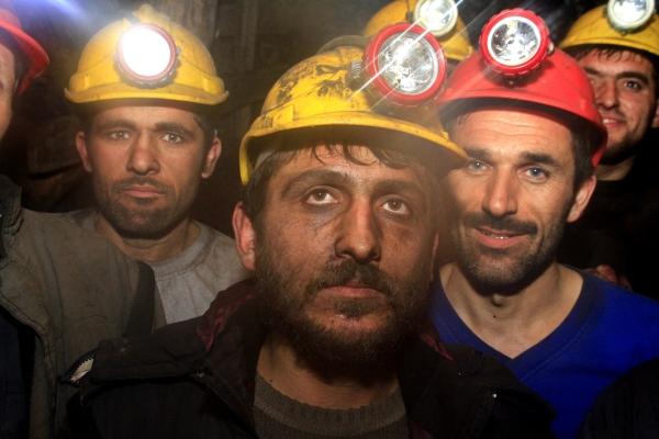 Yeni yıla maden ocağında çalışarak girdiler galerisi resim 3