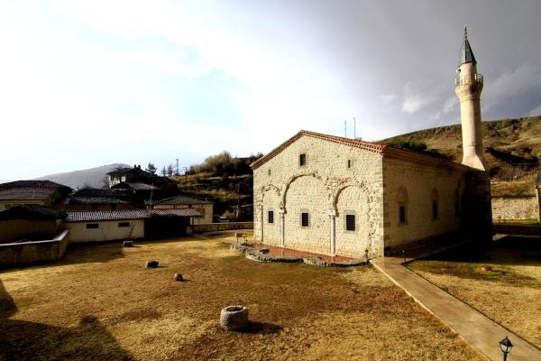 Cami kubbesinde Hazreti İsa ve havari figürleri var galerisi resim 13