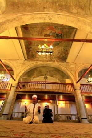 Cami kubbesinde Hazreti İsa ve havari figürleri var galerisi resim 5
