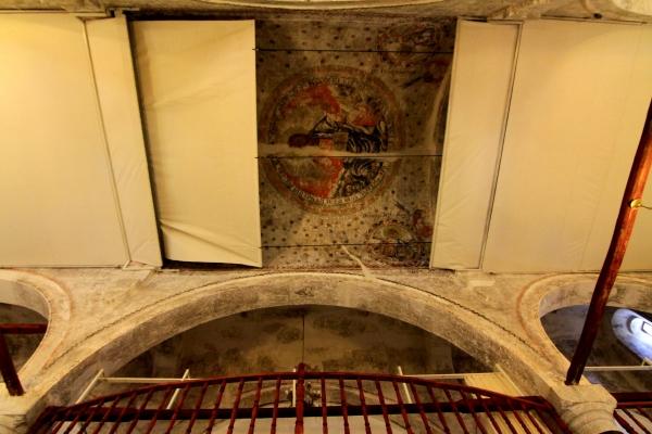 Cami kubbesinde Hazreti İsa ve havari figürleri var galerisi resim 8