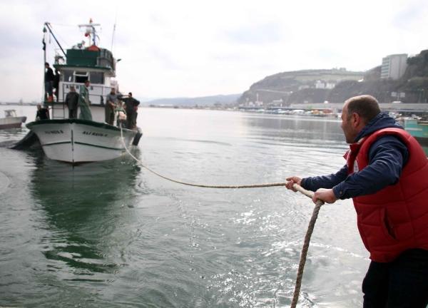 Genç balıkçı 30 ton kefalle döndü!  galerisi resim 1