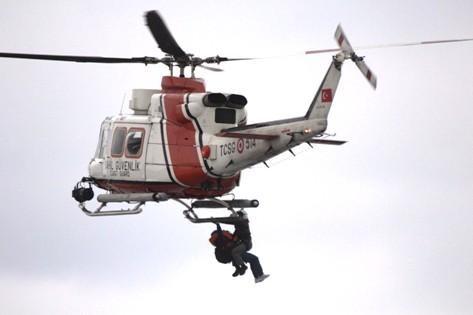 Karaya Oturan Gemiye Helikopterli Operasyon! galerisi resim 14