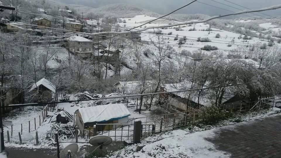 Nisan Ayi Samsun'a Kar Getirdi galerisi resim 12