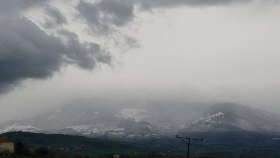 Nisan Ayi Samsun'a Kar Getirdi galerisi resim 4