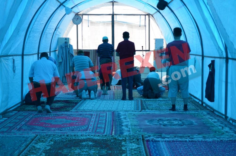Samsun'da 2 Yıldır Çadırda Namaz Kılıyorlar galerisi resim 4