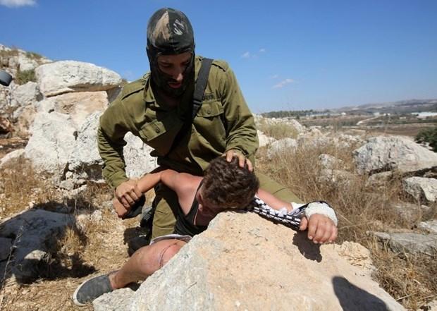 Dünya İsrailli Askerin Acımazlığını Konuşuyor! galerisi resim 1