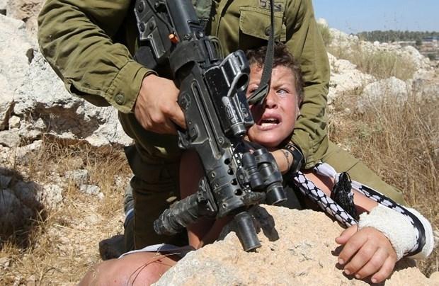 Dünya İsrailli Askerin Acımazlığını Konuşuyor! galerisi resim 3