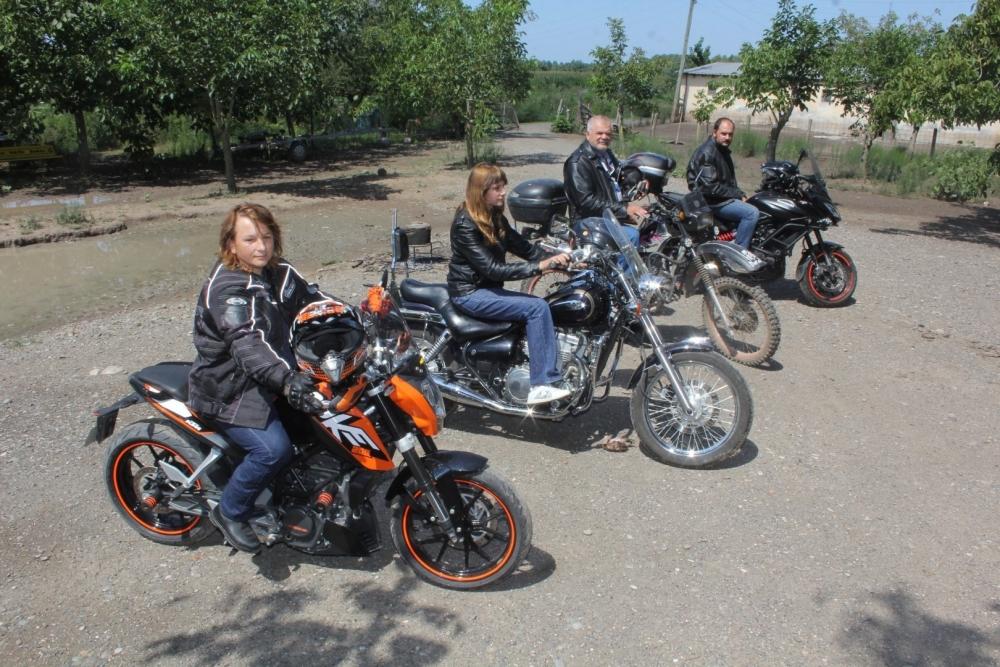 Motosiklet Tutkunu: Akyel Ailesi galerisi resim 1