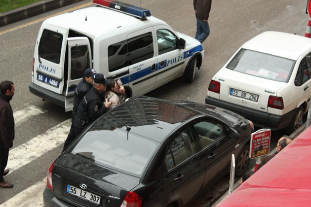 Polisin zor anları galerisi resim 10
