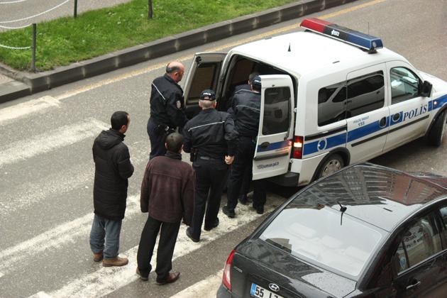 Polisin zor anları galerisi resim 16