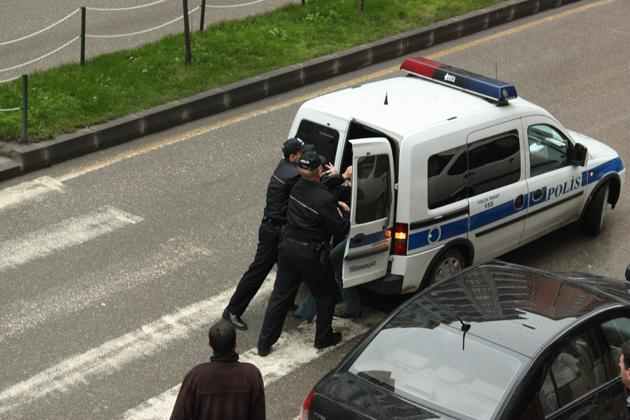 Polisin zor anları galerisi resim 2