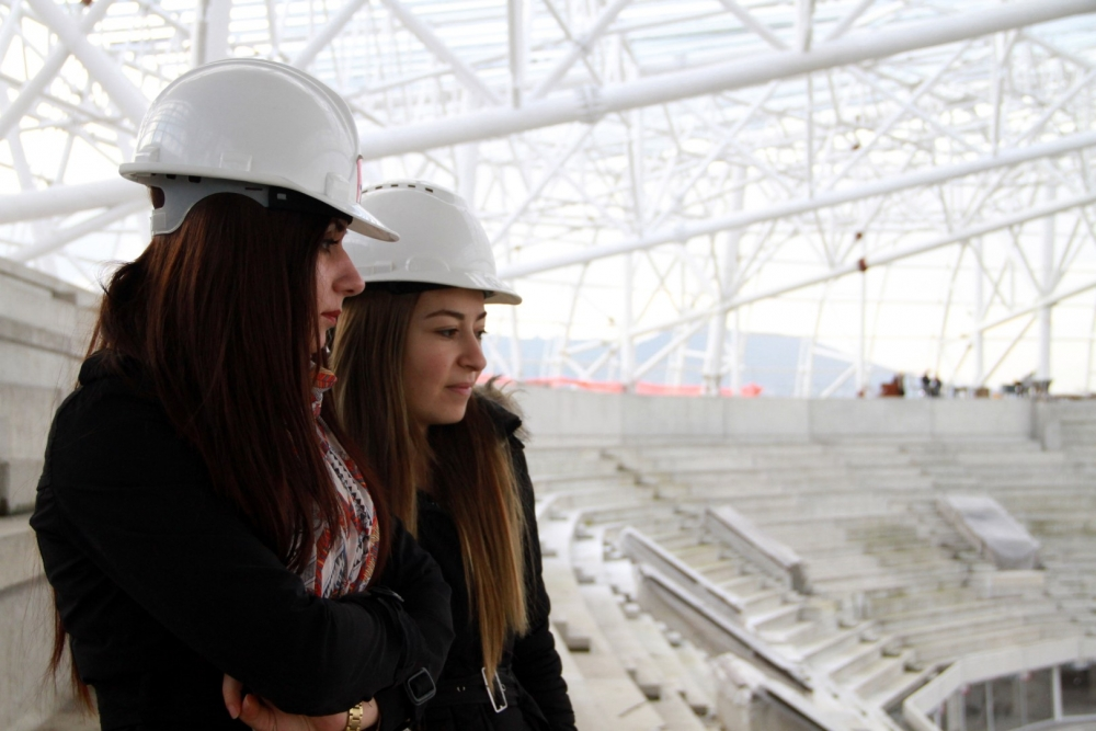 Samsun'daki stadyuma kadın eli değdi galerisi resim 1