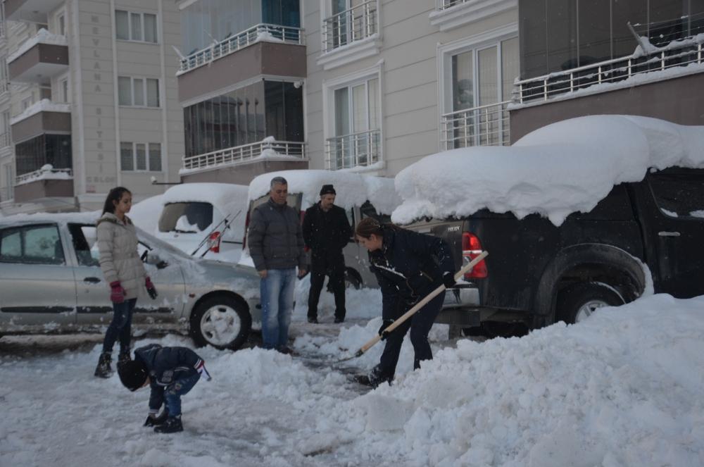Samsun'da Kar Hayatı Felç Etti galerisi resim 1