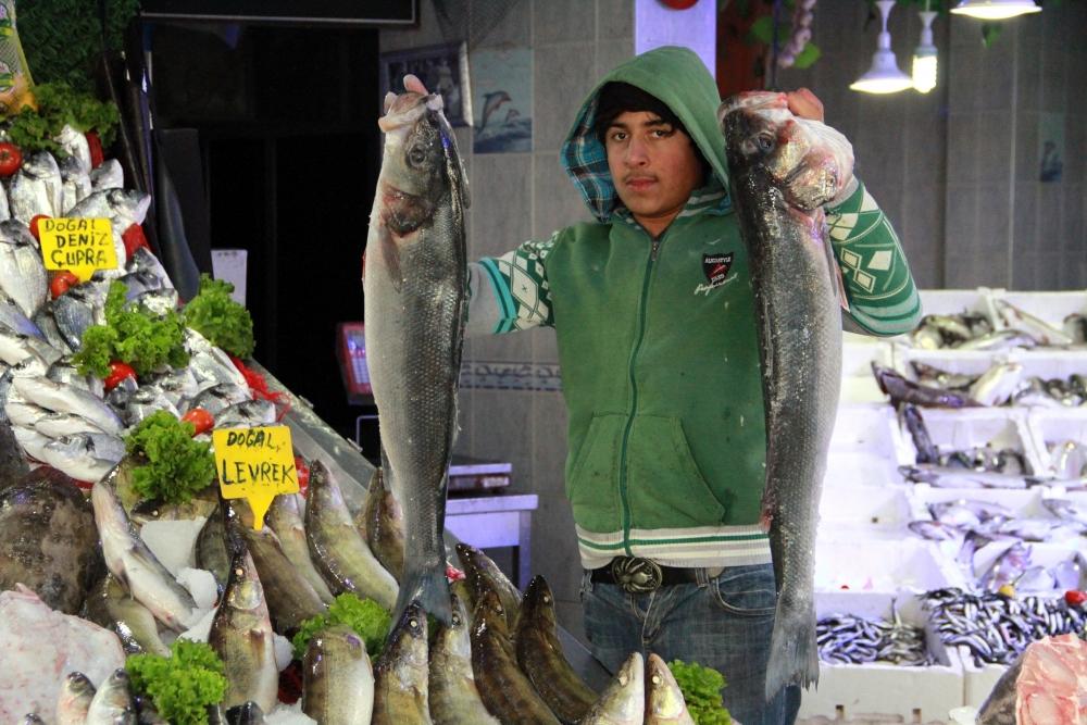 Kar Balık Fiyatlarını Artırdı galerisi resim 1