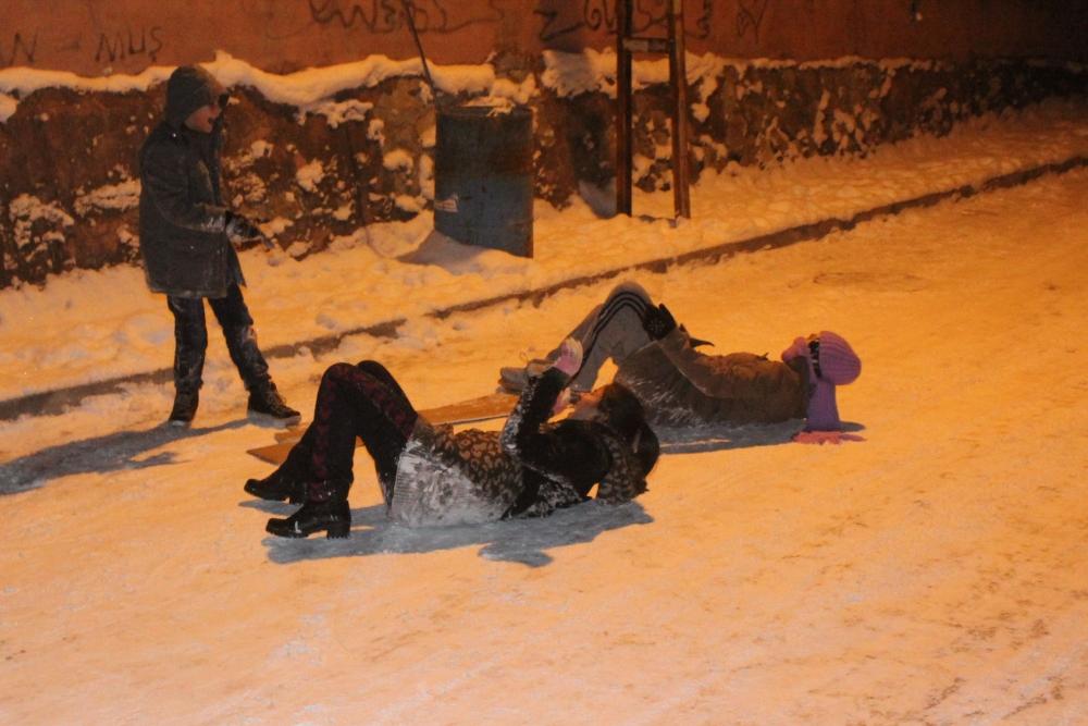 Samsun'da Kar Eğlencesi Yaş Tanımıyor galerisi resim 1