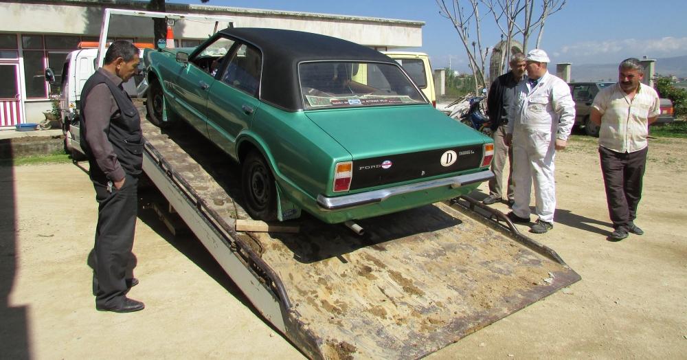Samsun'da 37 Yıldır Evinde Sakladığı Otomobilini Dışarı Çıkardı galerisi resim 6
