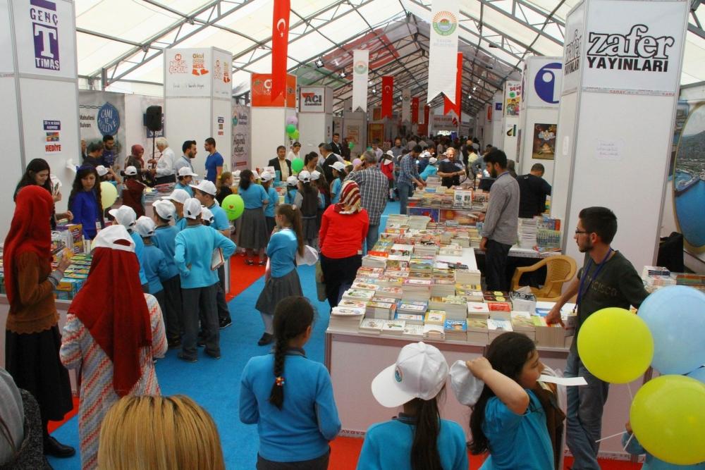 Karadeniz'in İlk Çocuk Kitap Şenliği Samsun'da Başladı galerisi resim 9