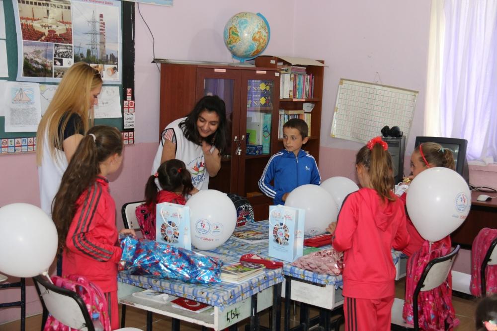 Samsun İlkadım Gençlik Merkezi İlkokulu Öğrencilerini Sevindirdi galerisi resim 2