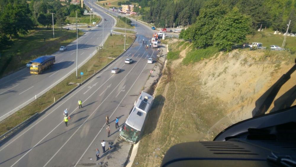 Samsun'daki Feci Trafik Kazasında 38 Kişi Yaralandı galerisi resim 1