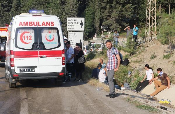 Samsun'daki Feci Trafik Kazasında 38 Kişi Yaralandı galerisi resim 6