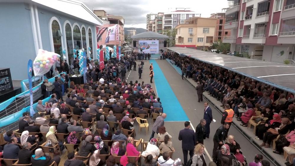 Samsun İlkadım'da Derebahçe Sosyal Tesisleri'ne Görkemli Açılı galerisi resim 21