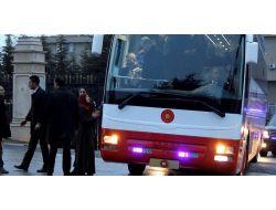 Cumhurbaşkanı Erdoğan'ın Otobüsünü Durdurdu, İki Çocuğu İçin Yardım İstedi