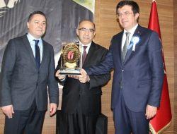 Bakan Zeybekci Vergi Rekortmenlerini Ödüllendirdi