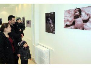 Doğum Fotoğrafları Sergisi İlgi Görüyor