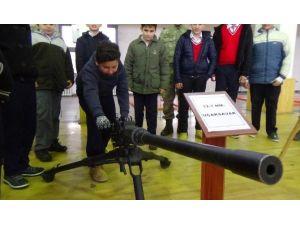 Öğrenciler Komando Tugayını Ziyaret Etti