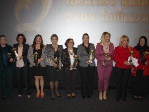 İdealist Kadınlar Onur Ödülleri Verildi