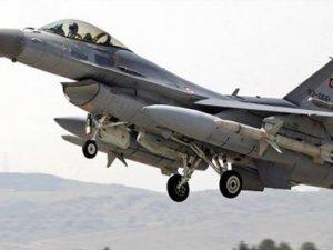 Karadeniz'de Türk Jetleri Rus Uçağını İzledi