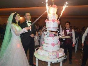 Samsun'da Doktor Çift Dünya Evine Girdi