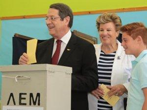 Güney Kıbrıs'taki Seçimlerde DİSİ Birinci Oldu
