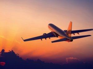 Kıbrıs'ta Kabin Basinci Düşen Uçağın Oksijen Maskeleri Açıldı