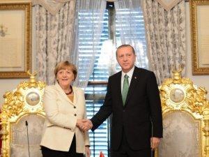 Cumhurbaşkanı Erdoğan, Merkel'e Kaygılarını İletti
