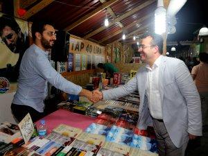 Samsun'un Atakum İlçe'nde Ünlü Yazar Sevenleriyle Buluştu