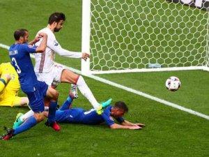 İtalya EURO 2016'da Çeyrek Finale Çıktı