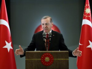 Cumhurbaşkanı Erdoğan, Esnaf Ve Vatandaşlar İle İftar Yaptı