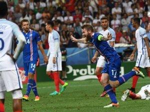 Avrupa Futbol Şampiyonası'nda İzlanda, İngiltere'yi Avrupa'dan Attı